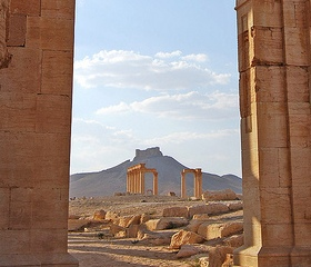 [Palmyra (Arabic: تدمر Tadmur‎), Syria. Photo by Travel in Istanbul, via Flickr (CC license)]