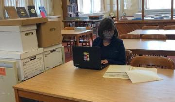 A researcher using the Archive's reading room